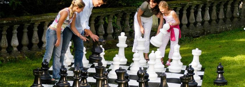 Se det store udvalg af udendørsspil på 10-4.dk