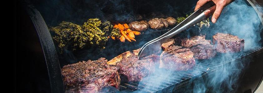 Madlavningsudstyr til din grill - Grilltang, grillspyd og meget mere