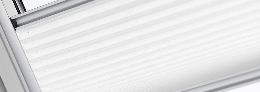 Solcelledrevet plissegardin fra Velux