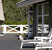 Terrasse af fliser og belægningssten