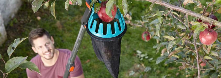 Stort udvalg af have tilbehør som fx en frugtplukker fra Gardena - 10-4.dk