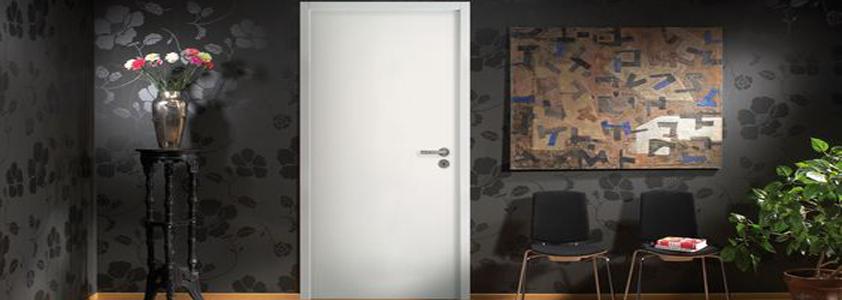 Glatte massive døre fra Swedoor - Køb online på 10-4.dk