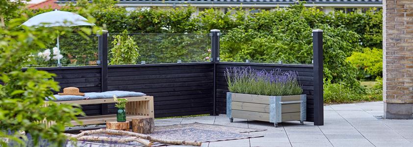 Plus plank hegn - Se det store udvalg af hegn på 10-4.dk