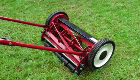 Cylinderklip skær græsset af hvilket gør det finere
